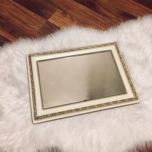 🦋2/$10 3/$15 4/$18 5/$20 Vintage Vanity Tray